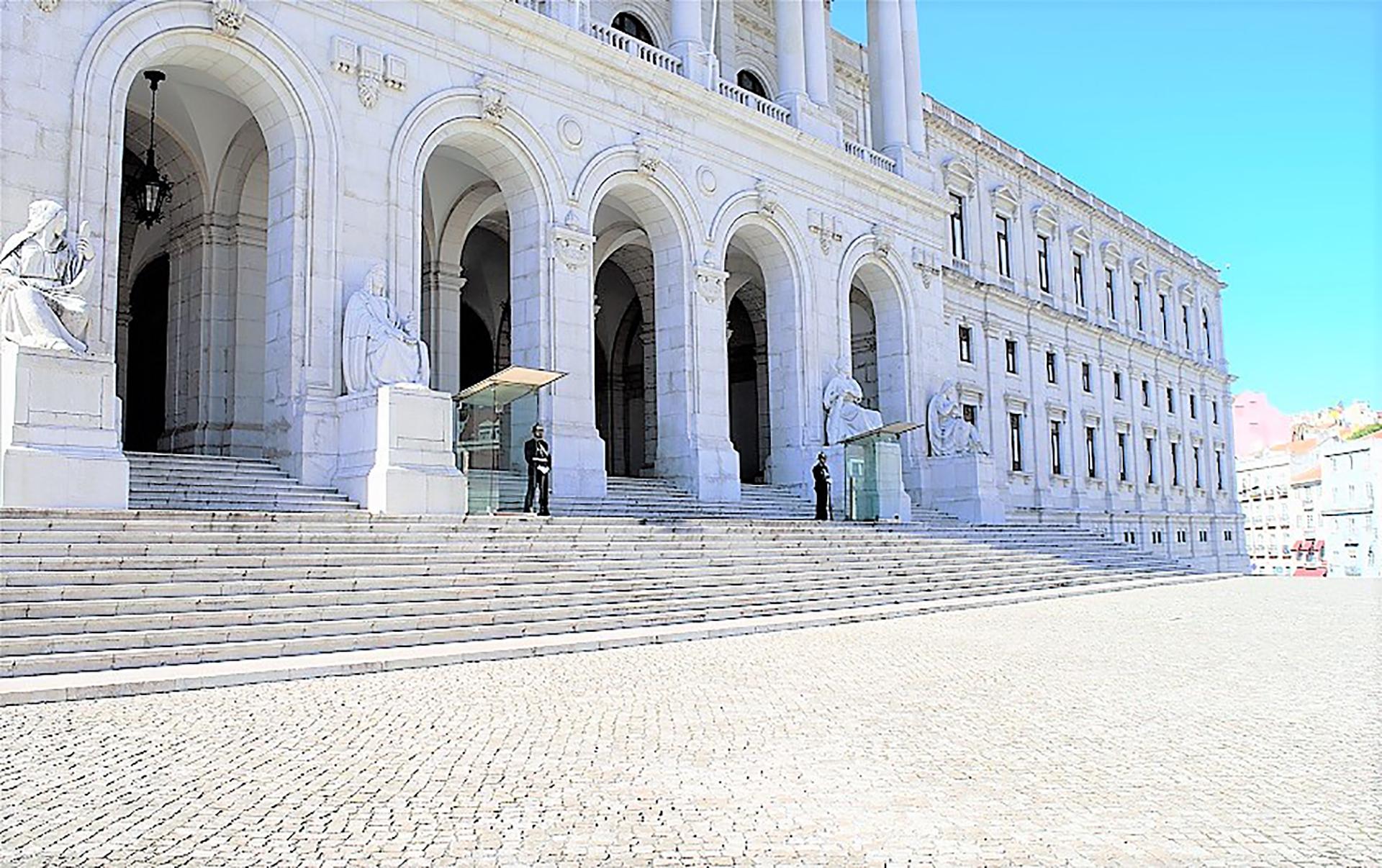 parlementsgebouw 8